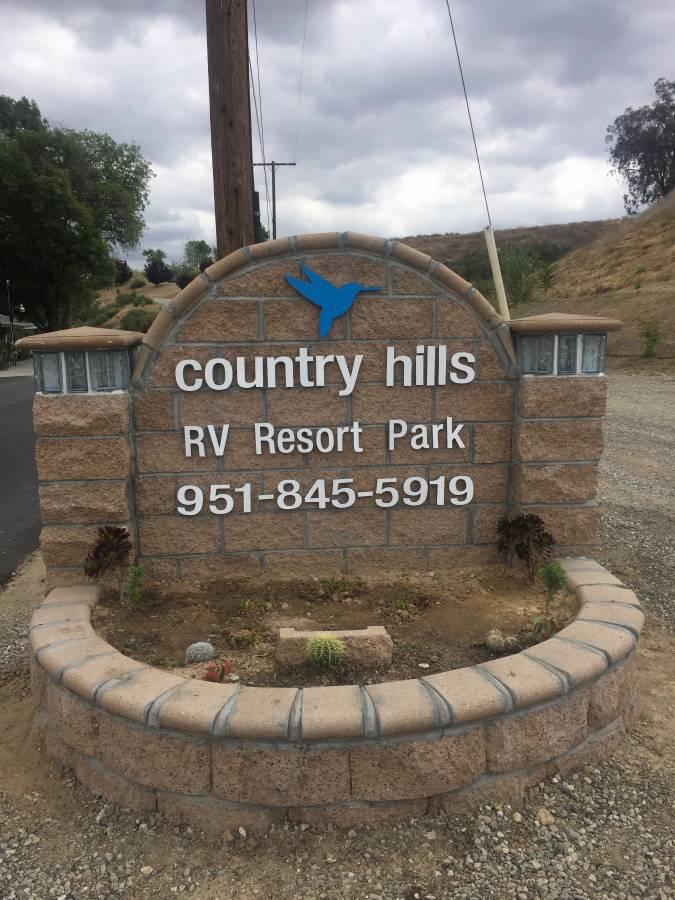 Country Hills enterance photo
